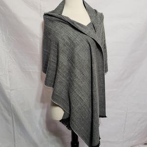Gap Shawl Scarf Herringbone Gray Print Soft